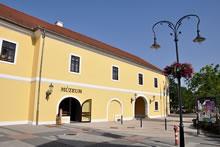 A Hamvay-kúria épülete